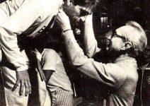 Leão Teixeira recebendo a medalha de campeão diretamente das mãos do Grande Mestre Hélio Gracie - 1986